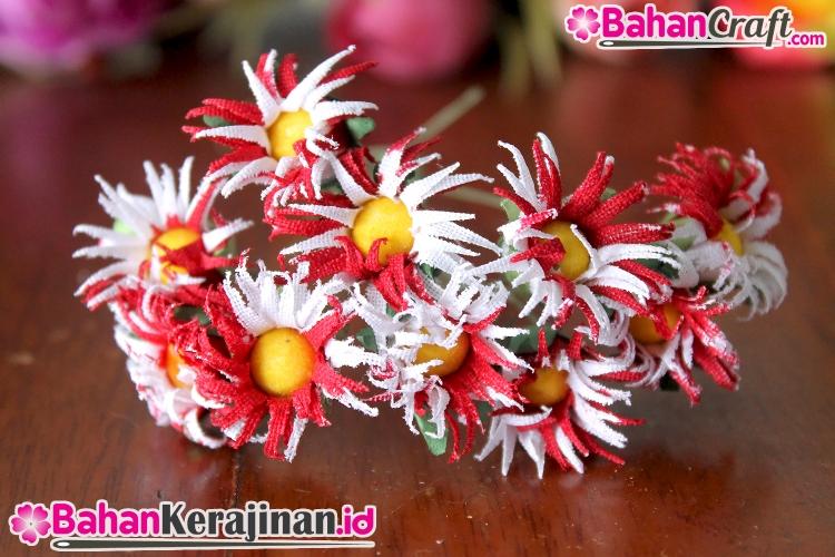 Findyka Com Bunga Aster Merah